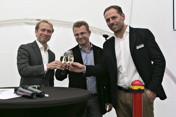 Feestelijke ingebruikstelling van pv-installatie bij DS Metaal Maastricht